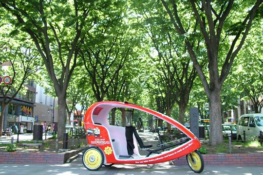 定禅寺通りのベロタクシー